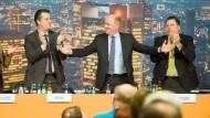 Zufrieden: Frankfurts CDU-Chef Becker (Mitte) beim Programmparteitag