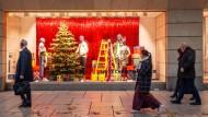 Alle Jahre wieder: Shopping-Begeisterte strömen auf die Frankfurter Zeil.
