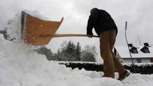Anwohner müssen Geh- und Radweg im Winter räumen
