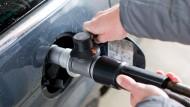 Erdgas ist durchaus gefragt, zum Beispiel an der Tankstelle.