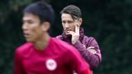 Unter Beobachtung: Niko Kovac wird Makoto Hasebe im letzten Vorbereitungsspiel auf ungewohnter Position testen.