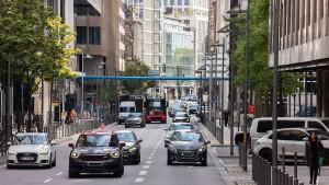 Der Straßenraum muss in Frankfurt neu aufgeteilt werden: Nur wie?
