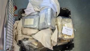 Kiloweise Drogen bei Fahrzeugkontrolle gefunden