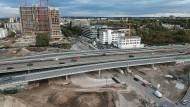 Eine der vielen Baustellen in Hessen: der Umbau des Kaiserlei-Kreisels zwischen Offenbach und Frankfurt