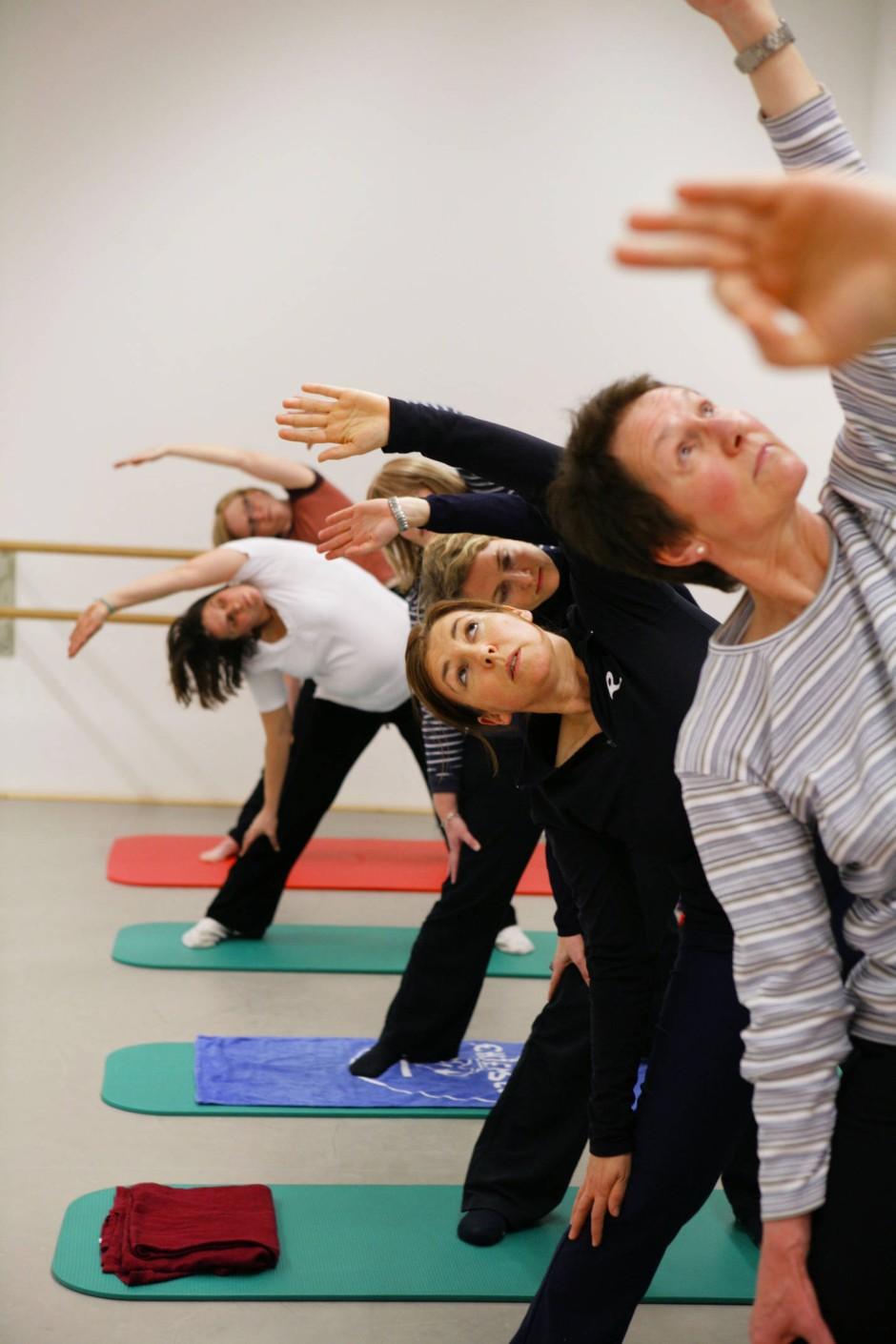 Volles Programm: Das Angebot heute reicht von den diversen Yoga-Spielarten...