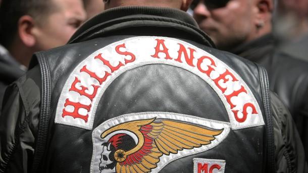 Rocker demonstrieren gegen Verbot von Motorrad-Clubs