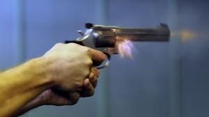 Ehemann erschießt Liebhaber der Frau