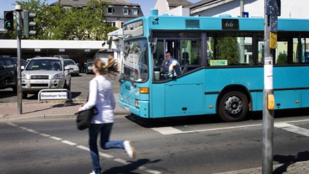 Geld zurück bei Verspätungen  von Bussen und Bahnen
