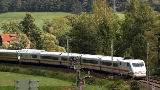 Bahnausbau - Die  zweigleisige Eisenbahnstrecke Frankfurt - Hanau - Gelnhausen - Wächtersbach - Fulda, soll ausgebaut werden.