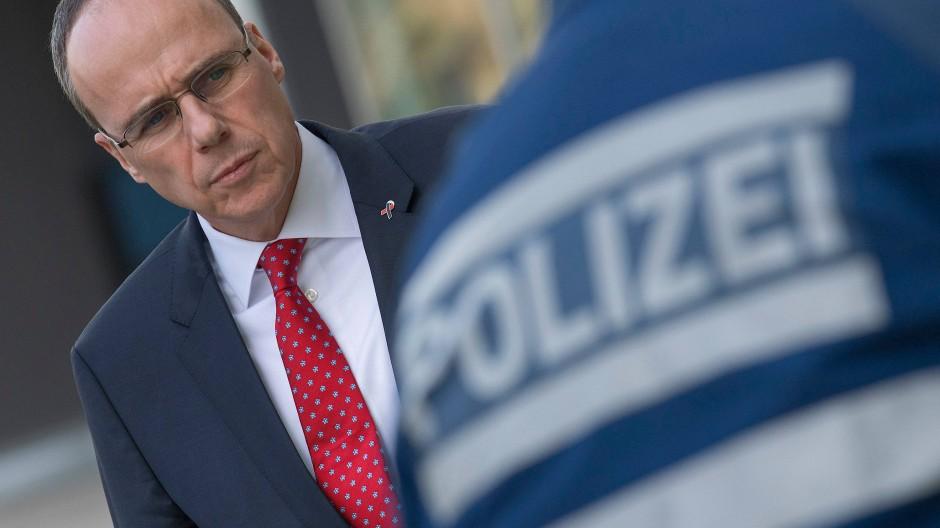 Sieht Fehlerkultur der Polizei in Schieflage: der hessische Innenminister Peter Beuth