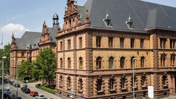 Verschiedene Ansichten der Frankfurter Gerichtsgebäude im Quartier zwischen Konrad-Adenauer-Straße, Seilerstraße und Zeil, v.a. von Landgericht und Amtsgericht