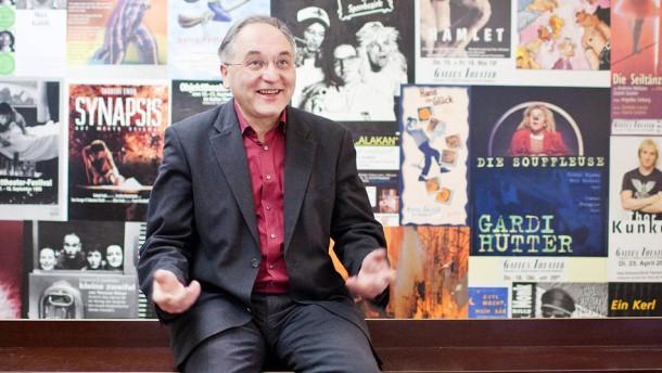 Winfried Becker - Der Direktor des Frankfurter Gallus-Theater ist zuständig für Leitung, Finanzen und Personal