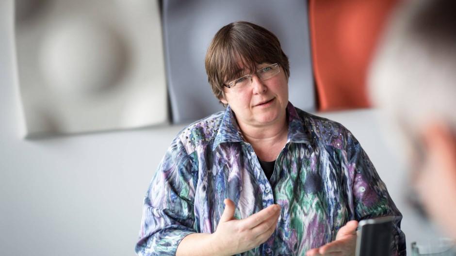 """Wachsam: Maud Zitelamnn warnt Erzieher und Sozialarbeiter vor Naivität im Umgang mit Eltern. Ihnen müssen die Helfer """"eigentlich alles zutrauen""""."""