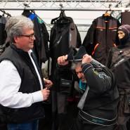 Probelauf: Joachim Schricke (links) freut sich über die Premiere der Messe Inter Dive in Frankfurt und über Interesse an seinen Trockenanzügen