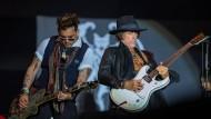 "Hessentag in Herborn als Forum: Johnny Depp mit den ""Hollywood-Vampires"", rechts Joe Perry (sonst bei Aerosmith)"