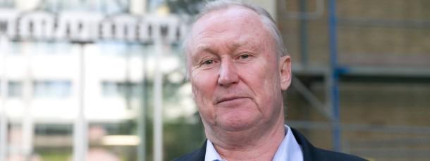 Wegen einer Abfindungszahlung an einen Mitarbeiter in der Kritik: Bad Homburgs Oberbürgermeister Michael Korwisi (Die Grünen)