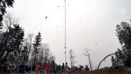 Standortfrage: Im Februar konnten Bürger sich an der Windmessanlage bei Neu-Anspach über geplante Windräder informieren