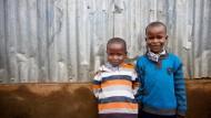 Freunde: Paul (links) und Brian leben noch nicht lange im Waisenhaus Mothers' Mercy Home.