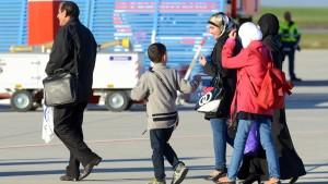 Runder Tisch soll Obdach für Flüchtlinge suchen