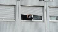 Schüsse auf Asylheim: Täter wird begutachtet