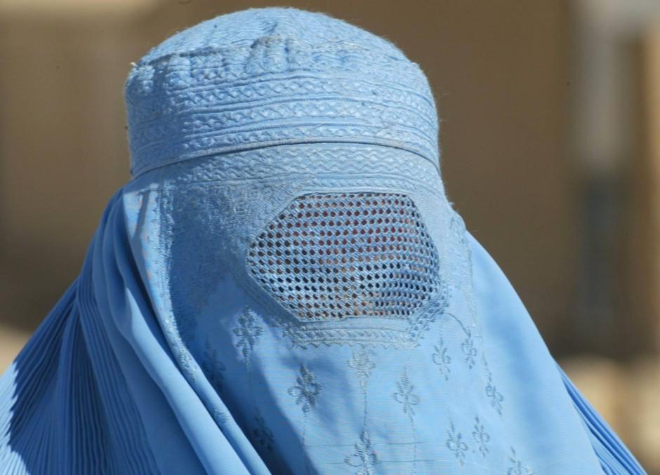 bilderstrecke zu vorsto der frankfurter cdu skepsis gegen burka verbot bild 1 von 2 faz. Black Bedroom Furniture Sets. Home Design Ideas