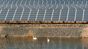Geologen: Sonnenkollektoren auf Baggerseen