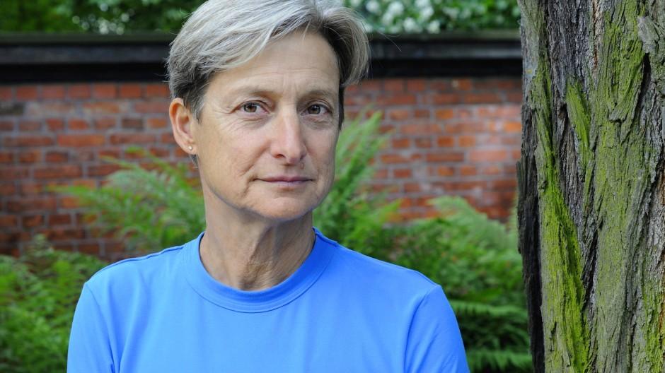 Judith Butler ist 56 Jahre alt und lehrt Rhetorik und Literaturwissenschaft an der University of California.