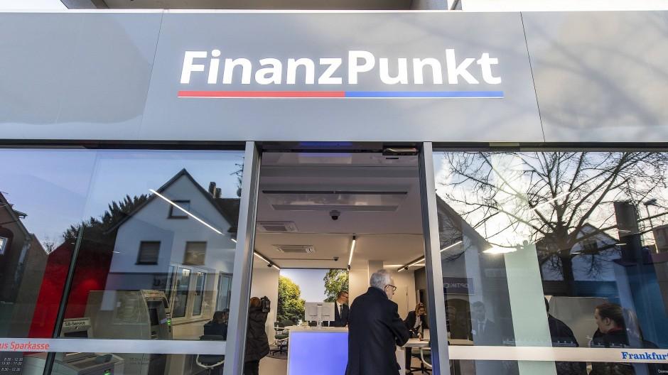 Gemeinsame Sache: Die Taunus Sparkasse und die Frankfurter Volksbank teilen sich eine Filiale im hessischen Bad Soden.