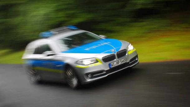 Spritztour mit Polizeiauto: Junge festgenommen