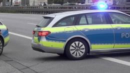 A5 nach Lastwagenunfall wieder frei