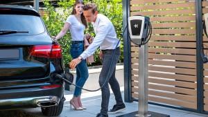 Das E-Auto bequem vor der Haustür laden