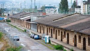 Alte Güterhalle wird zur Boxengasse