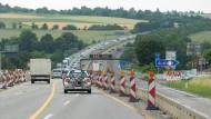 Engpass: Zuletzt wurden die Fahrbahnen der A5 in der Wetterau im Jahr 2013 erneuert
