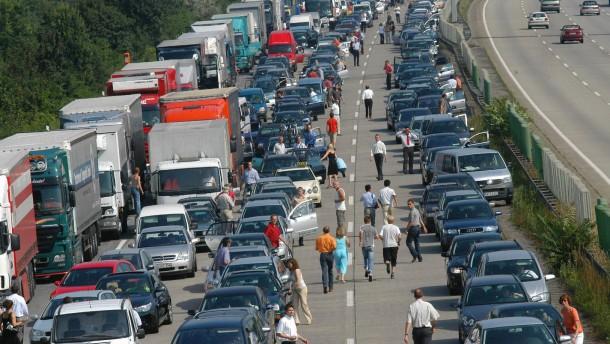 Hessen Mobil warnt vor Staus am Freitag