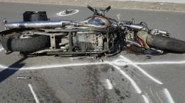 Motorradfahrer bei Sturz gegen Leitplanke tödlich verletzt