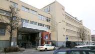 Gehört jetzt dem Bürgerhospital: Haupteingang des Marienkrankenhauses
