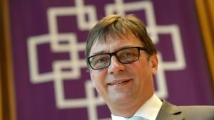 Homosexuelle ehren Kirchenpräsident Volker Jung
