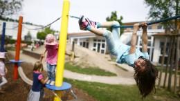 Zugang zu Kindergarten und Tagesmutter über das Internet