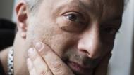 """Feridun Zaimoglu, geboren 1964 in der Türkei, wuchs in Berlin und München auf. Sein neuer Roman """"Siebentürmeviertel"""" spielt in Istanbul."""