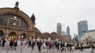 Fußgängerampel vor dem Frankfurter Hauptbahnhof