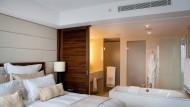 250 Hitzegeplagte ziehen ins klimatisierte Hotel