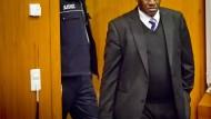 Lebenslange Haft: Wegen besonderer Schwere der Schuld kann Onesphore R. zudem nicht schon nach 15 Jahren auf Bewährung entlassen werden.