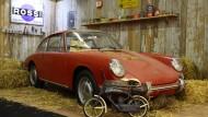 Davon träumen Oldtimerfans: Einen rostfreien Porsche 911 von 1966 im Originalzustand in einer trockenen finden