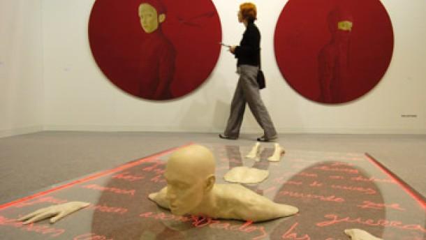Mut zum spielerischen Experiment: Wieder eine Messe junger Kunst