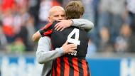 Wem macht das Wiedersehen mehr Freude? Thomas Schaaf und Marco Russ verstanden sich bis zum Schluss gut.