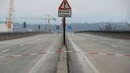 Stopp: Die Sperrung der Schiersteiner Brücke kostet Millionen