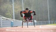 Glücklich auf der Aschenbahn: Ahmet Aouadi will sich zum dritten Mal für die Paralympics qualifizieren.
