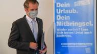 Maskenmann: Offenbachs Rathauschef Schwenke hebt nach gesunkenen Inzidenzwerten die Ausgangssperre wieder auf