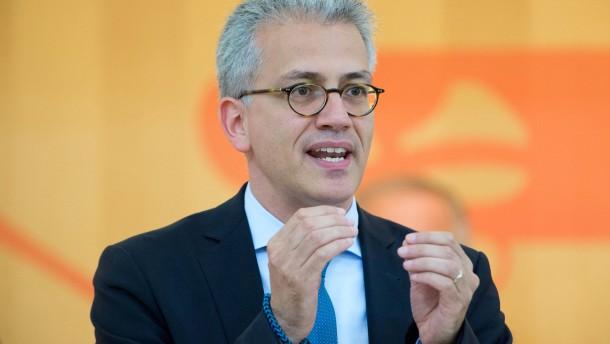 CDU-Abgeordneter sieht Kniefall vor Windradlobby