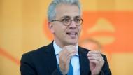 """CDU-Bundestagsabgeordneter wirft ihm """"Kniefall vor der Windkraftlobby"""" vor: Tarek Al-Wazir"""